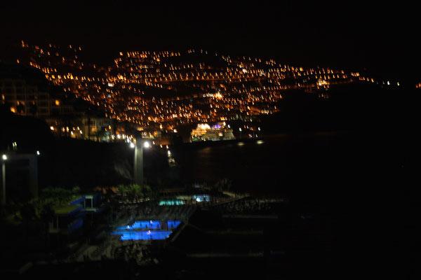 Das nächtliche Funchal - von unserem Balkon