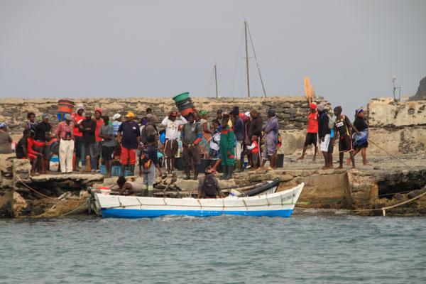 Morgens kommen die Fischer rein