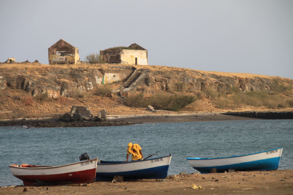 Hafen mit Insel