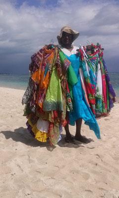 Fliegende Händler am Strand