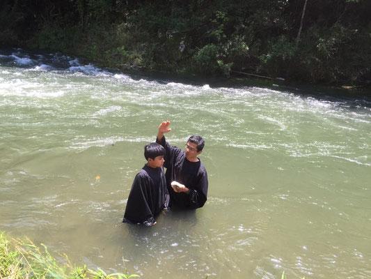 能勢川キリスト教会 洗礼式