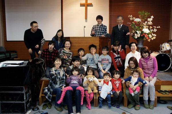 能勢川キリスト教会 ネオ集合写真