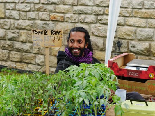 guillaume n'est pas une tomate rare - foire aux plantes de lons le saunier - foire aux plantes de lons le saunier - association llb