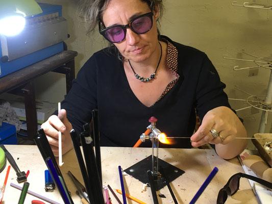 association llb - le flamme en verre - filage du verre de murano - producteur du jura