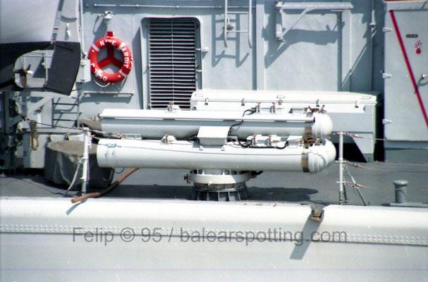 Montaje triple de tubos lanzatorpedos de 324 mm Mk 32 mod 5