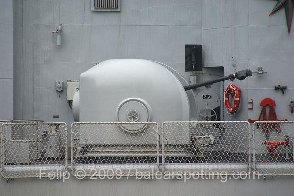 Cañón 40 mm-70 cal OTO Breda Dardo AA