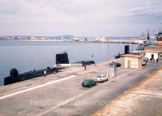 El S-643 Doris junto al S-623 Ouessant, D-641 Dupleix y  F-795 Commandant Ducuint el 6 de Mayo de 1987