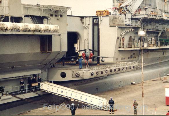 """Super Etendart """"15"""" de la 17 Flotille"""