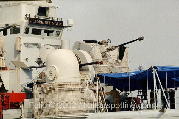 Disposición de los cañones de 40mm y 76mm