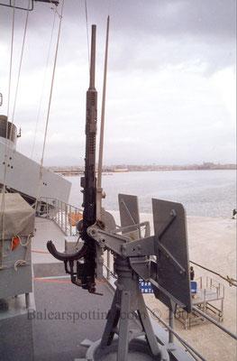 Ametralladoras de 12,7mm.