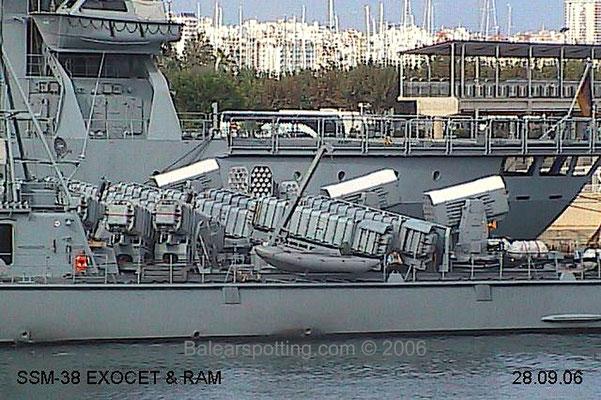Lanzadores de misiles Exocet y RAM