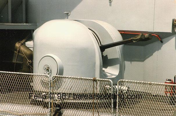 Cañón OTO Breda Dardo AA 40 mm-70 cal.