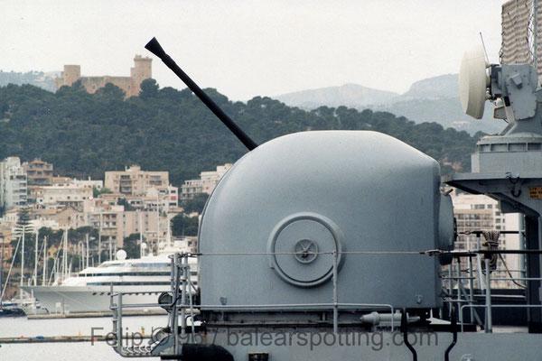 cañón 40 mm-70 cal. OTO Breda Dardo AA