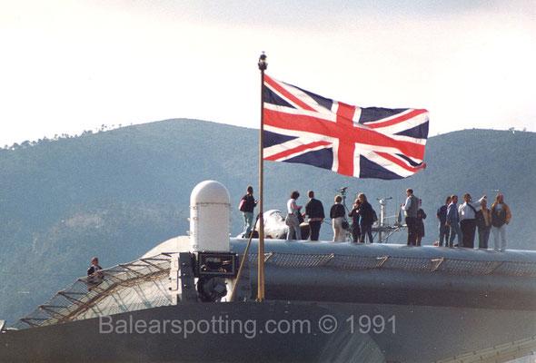 CIWS Vulcan PHALANX en su posición proel (R07 Ark Royal 28.03.1991)