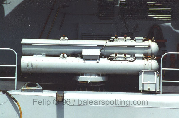 Montajes triple de tubos lanzatorpedos Mk 32 mod. 9 de 324 mm.