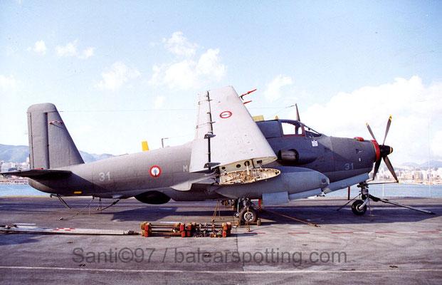 """Breguet Alize """"31"""" de la 4F sobre la cubierta del R99 Foch en 1997"""