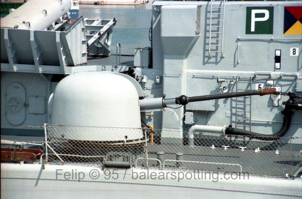Cañón OTO Melara 76 mm-62 cal