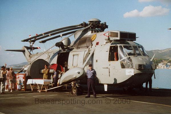 Sea King AEW.2 del 849 NAS (R05 Invincible 01.11.2000)