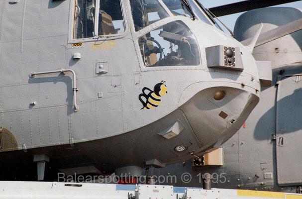 Mascota de la Escuadrilla B del 849 NAS sobre un Sea KIng AEW.2A (R06 Illustrious 14.04.1995)