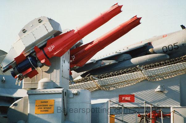 Lanzador de misiles Sea Dart (R07 Ark Royal 25.08.1994)