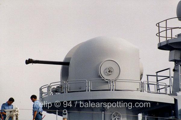Cañón doble OTO Breda Dardo AA 40 mm