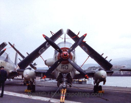 """Breguet Alize """"60"""" de la 4F sobre la cubierta del R99 Foch en los '80"""