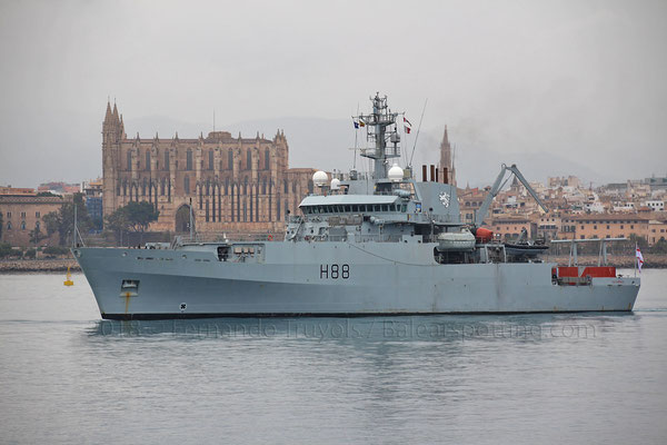 H-88 Enterprise entrando en Palma el 5 de Mayo de 2018 buque de mando de la SNMCMG-2