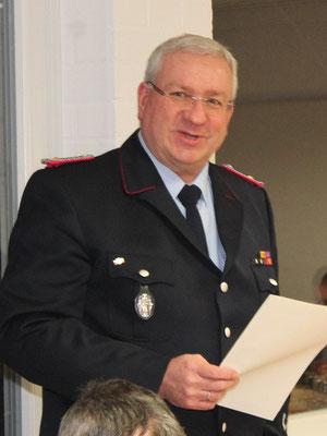 Ortbrandmeister Frank Denecke bei seinem Bericht