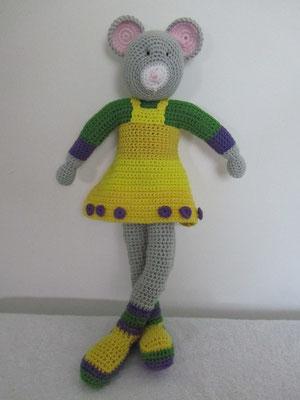 Maus mit gelbem Kleid