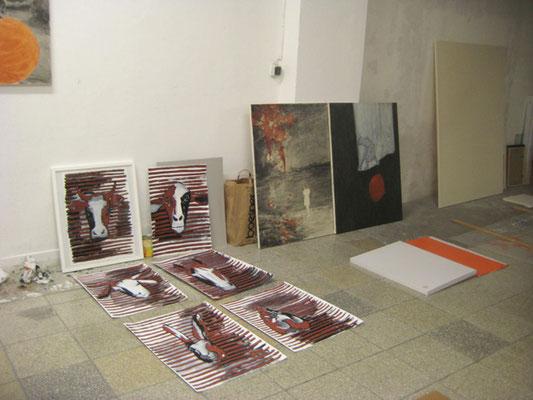 Blick ins Atelier, Haustiere Ölkreide und Acryl auf Papier