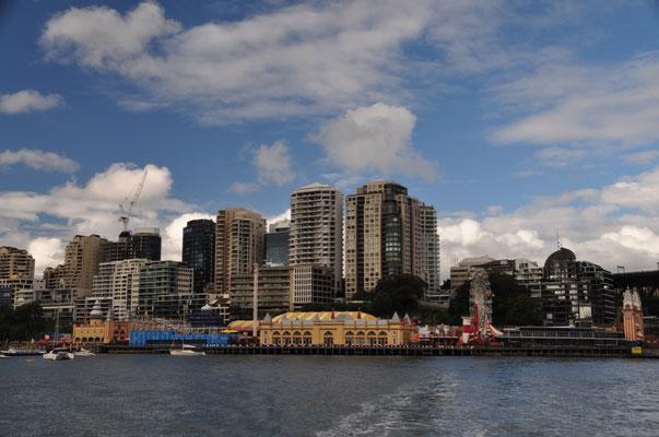 Im Vordergrund: Sydney's Luna Park