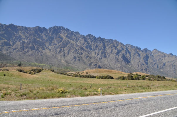 """The Remarkables"" - Gebirgszug vor Queenstown"