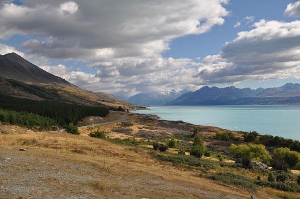 Auch beim Blick zurück auf unserem Rückweg wollte sich der Mount Cook nicht zeigen.