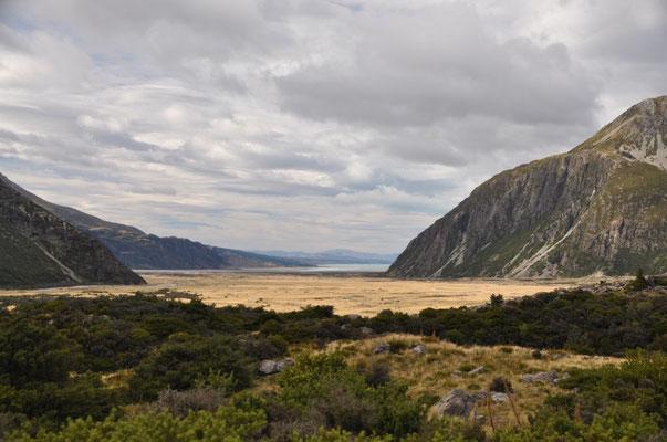 Blick vom Aoraki Mount Cook Village in Richtung Lake Pukaki