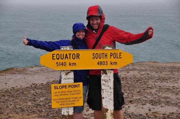 Bei 46° 40' 40'' endet beim Slope Point die Südinsel. 4'803 km vom Südpol und 5'140 km vom Äquator entfernt