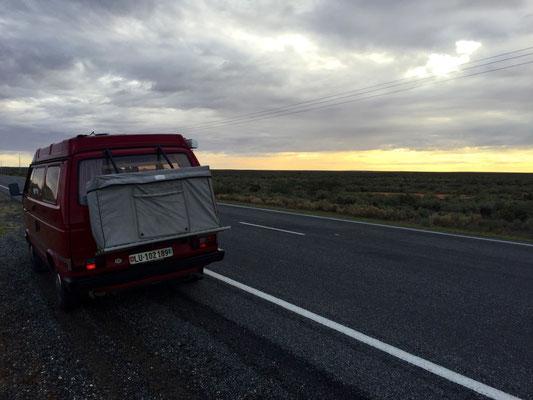 Dämmerung über dem Outback