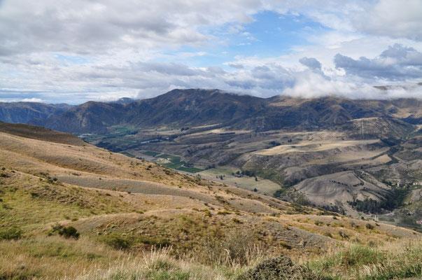 Blick ins Tal des Kawarau Rivers
