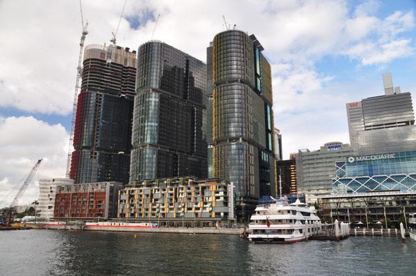 """Die drei neu entstehenden """"International Towers 1, 2 und 3"""" (Teil des gewaltigen Barangaroo-Projekts)"""
