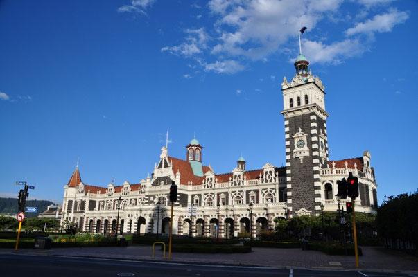 Dunedin Railway Station (Fertigstellung 1906) - der wohl schönste Bahnhof der Welt