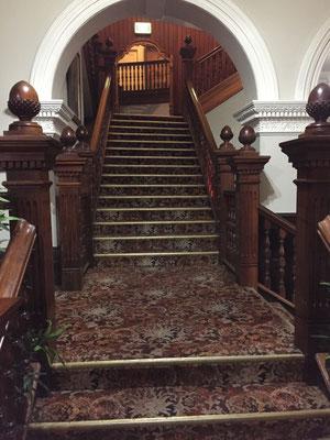 ...und von innen. Das Holz der Treppe wurde nach England verschifft, dort wurde daraus die Treppe geschreinert und anschliessend wieder nach Tasmanien zurück verschifft.