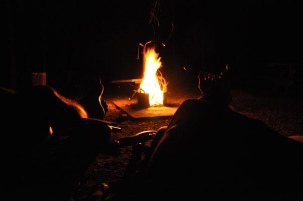 Unser erstes Lagerfeuer in Australien.