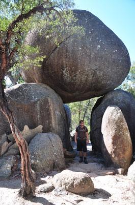 Granitblöcke in unterschiedlichsten Formationen zierten unseren Weg.