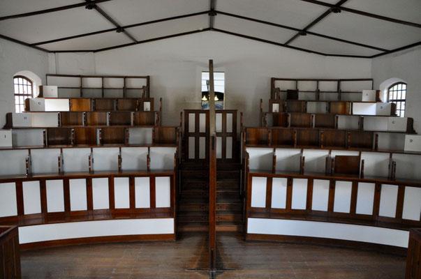 Gefängnis-Kapelle: Die Häftlinge wurde einzeln in die Kapelle geführt, in der sich Kabinen befanden, die den Blick- und Körperkontakt mit anderen Insassen unterbanden.
