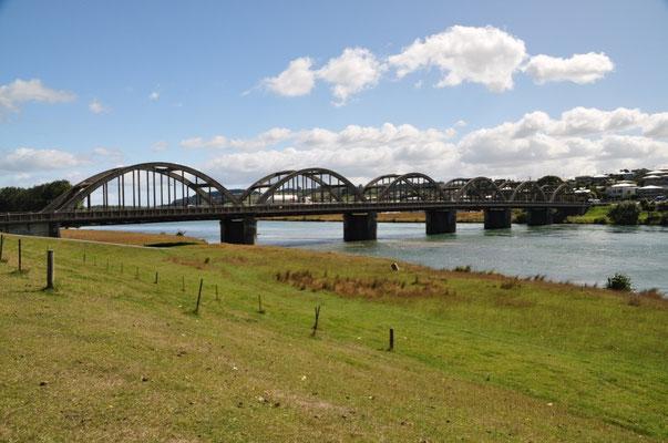 """""""The Clutha Bridge"""" - eine der bestbekanntesten Strassenbrücken auf Neuseelands Südinsel"""
