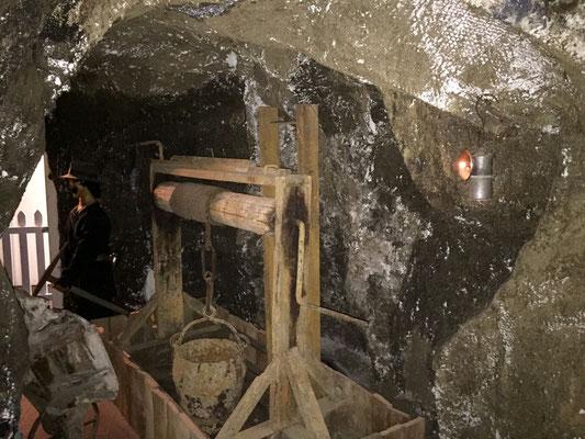 Nachbau eines alten Minenbergwerks.