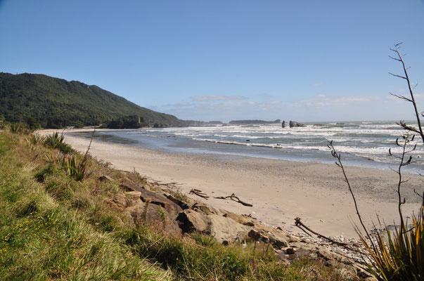 Strand am Woodpecker Bay, kurz vor Punakaiki