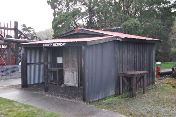 Typische, zuusammengebastelte Hütte eines Minenarbeiters.