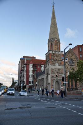 Ansicht von Adelaide mit Scots Chirch, einer der ältesten Kirchen der Stadt (Grundsteinlegung in 1850)
