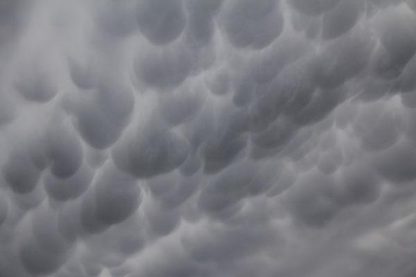… Wolken komische Formen haben …