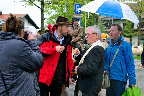Johannes Blochum mit Pfarrer Linder                                                                                                                   Foto: Manfred Zinss